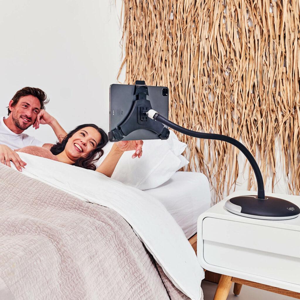 In bed van iPad of tablet genieten GOOS-E