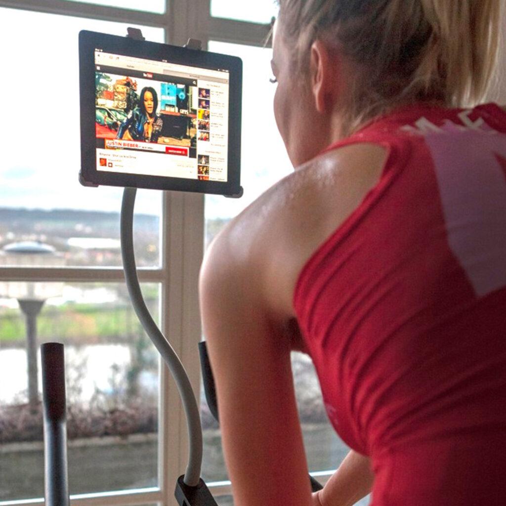 Tablet houder op de crosstrainer of hometrainer GOOS-E