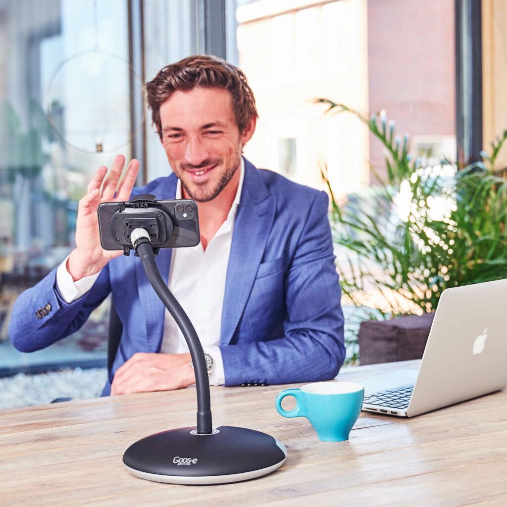Home-Office mit Tablet, iPad oder Handyhalter von GOOS-E